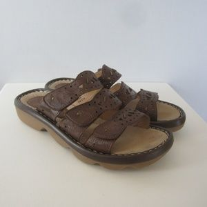 Earth Size 9.5 Stroll Brown Leather Wedge Sandals